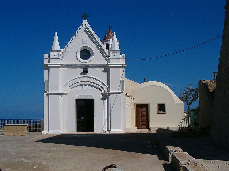 800px-Santuario della Madonna di Capo Colonna