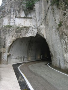 800px-Furlo_Tunnel_North