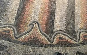 Particolare di un mosaico riemerso nell'area di piazza Capitolo