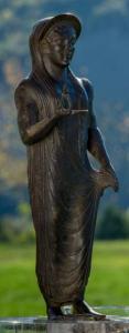 Statuetta-votiva-in-bronzo-probabilmente-raffigurante-la-dea-Turan-Museo-Etrusco-di-Marzabotto